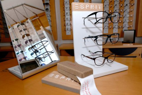 ESPRIT Collection, Modische und moderne Fassungen
